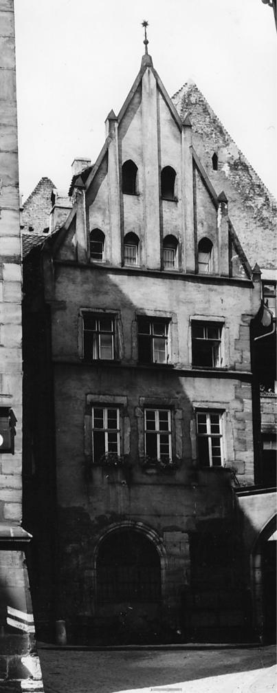 Halbwachsengässchen 2, Untere Krämergasse 4 (Links), 1942